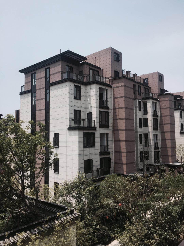 出售中梁150平一跃二送前后花园地下室室得面积200多平性价比最高